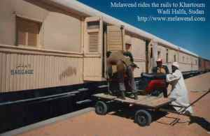 SUDAN Wadi_Halfa_Sudan_-_Melawend_rides_the_rails_to_Khartoum[1]