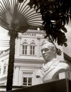 TR 13 - Singapore Raffles 1