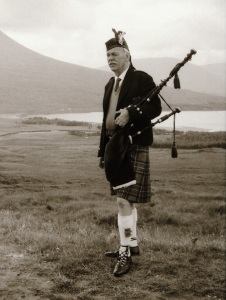 TR 3 Bagpipe player